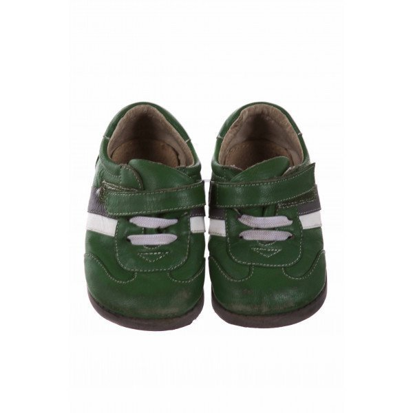 GREEN SEE KAI RUN SHOES WITH VELCRI * SIZE 5 *GUC HAS SCUFFS ON TOE