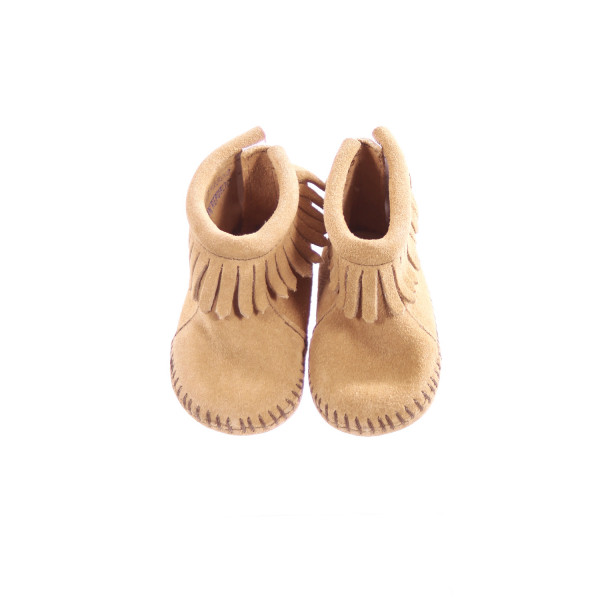 MINNETONKA TAN SOFT SOLE BOOTIES WITH FRINGE *EUC
