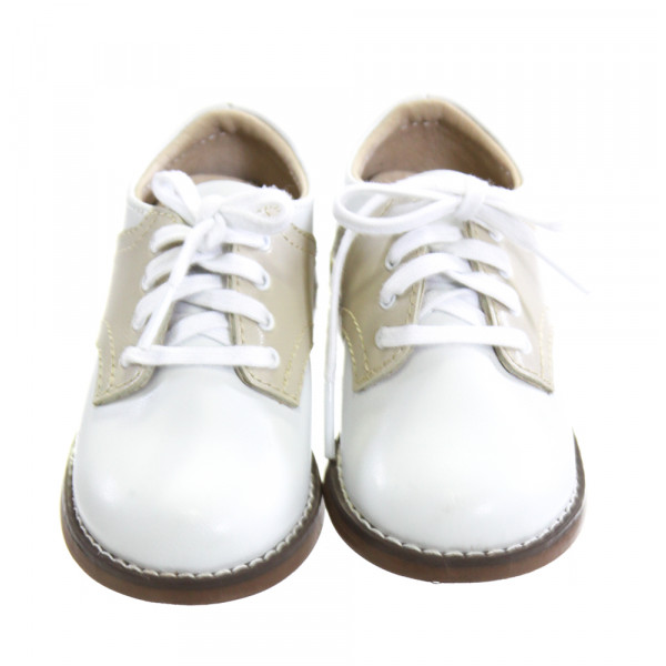 FOOTMATES WHITE AND KHAKI LEATHER SHOES *SIZE 6, VGU - A COUPLE PINPOINT SPOTS OF DISCOLORATION