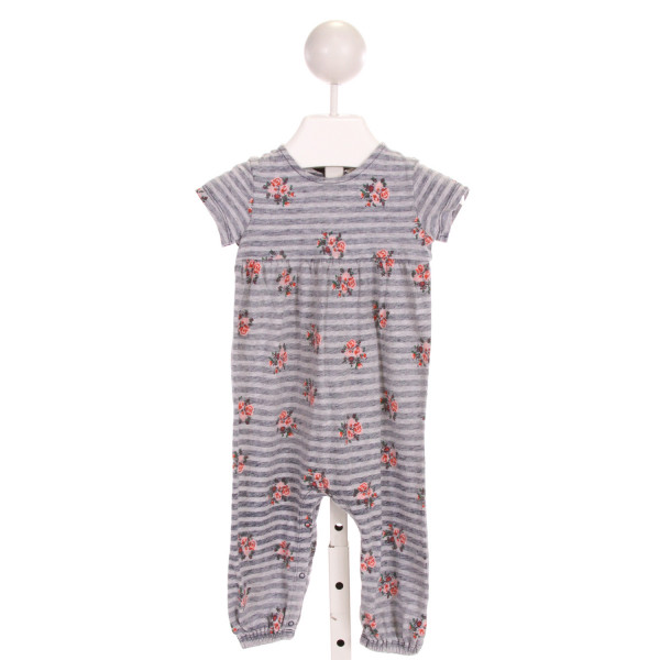 NORDSTROM  GRAY  STRIPED PRINTED DESIGN LAYETTE