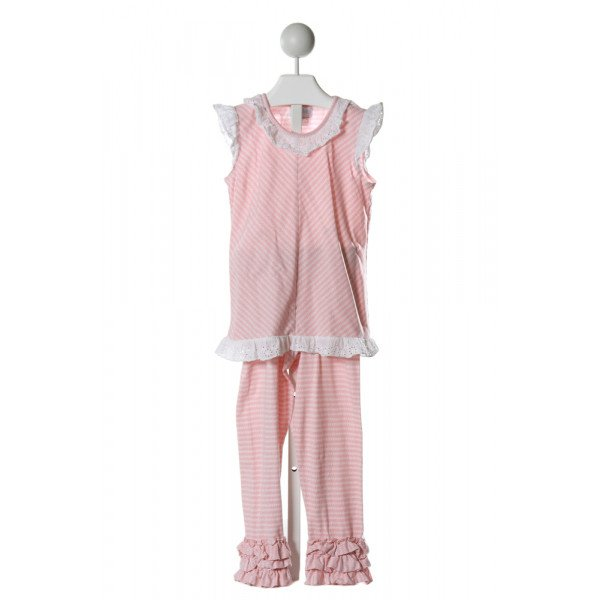 SHRIMP & GRITS  LT PINK   PRINTED DESIGN 2-PIECE OUTFIT WITH EYELET TRIM