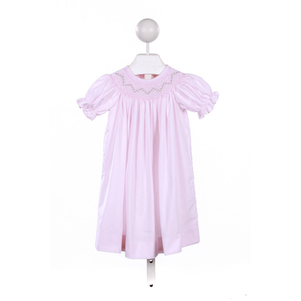 THE TRAVELIN TRUNK PINK GINGHAM SMOCKED DRESS