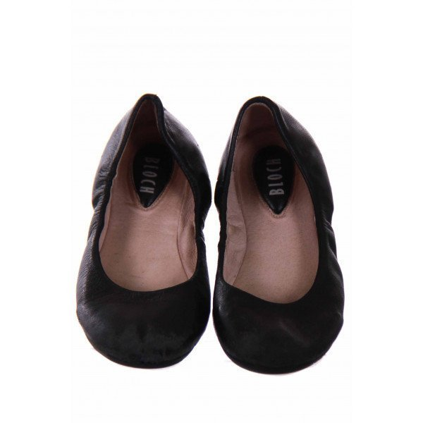 BLOCH BLACK BALLET FLATS *NO SIZE BUT RUNS LIKE A 2 *GUC *SCUFFING ON TOE