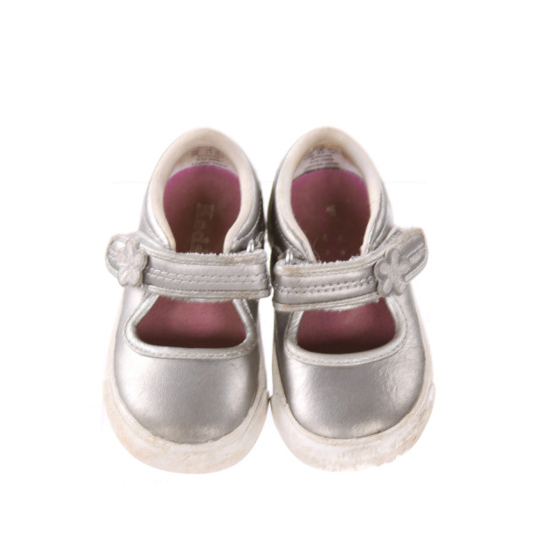 SILVER KED SHOES *SIZE 4, GUC - SCUFFING AND DISCOLORATION