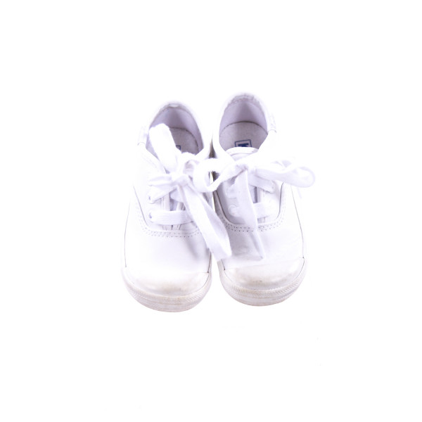 KEDS WHITE SHOES WITH LACES TODDLER SIZE 6 *VGUC (LIGHT WEAR)