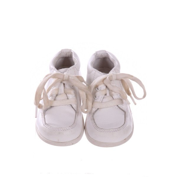 STRIDE RITE WHITE SNEAKERS *SIZE 4 MONTHS = APPROX 2, VGU - MINOR SCUFFING & DISCOLORATION