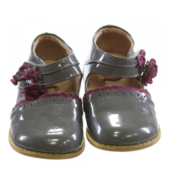 LIVIE & LUCA GRAY SHOES *SIZE 8, VGU - SMALL DISCOLORATIONS