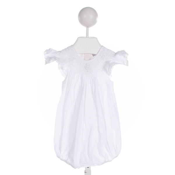 FANTAISIE KIDS  WHITE   SMOCKED BUBBLE WITH EYELET TRIM