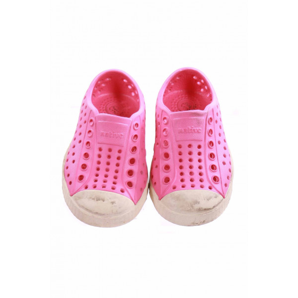 NATIVE PINK AND IVORY SHOE *SIZE 5 *GUC