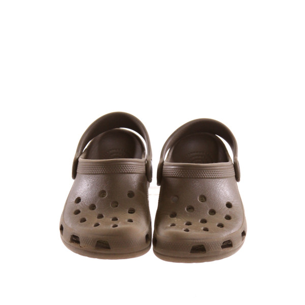 GREEN CROCS *SIZE 6-7, VGU - MINOR SCUFFING