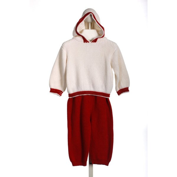 BELLA BLISS WHITE AND RED SWEATER SET *SLIGHT IMPERFECTION (VERY FAINT SPOT ON FRONT)