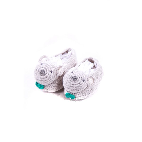 ALBETTA LIGHT GRAY CROCHET KOALA BOOTIES INFANT SIZE 2 *NO SIZE TAG, BUT RUNS LIKE A INFANT 2) *EUC