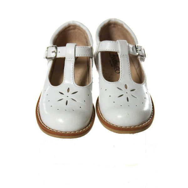 FOOTMATES WHITE LEATHER SHOES *SIZE TODDLER 9, GUC- SCUFFING AND DISCOLORATION