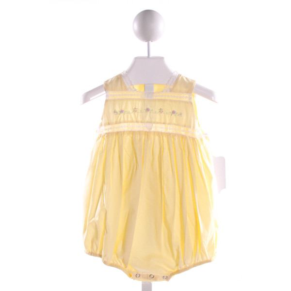 REMEMBER NGUYEN  YELLOW COTTON  EMBROIDERED BUBBLE WITH LACE TRIM