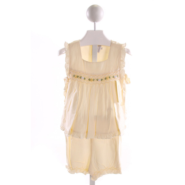 FANTAISIE KIDS  PALE YELLOW   SMOCKED 2-PIECE OUTFIT WITH RUFFLE