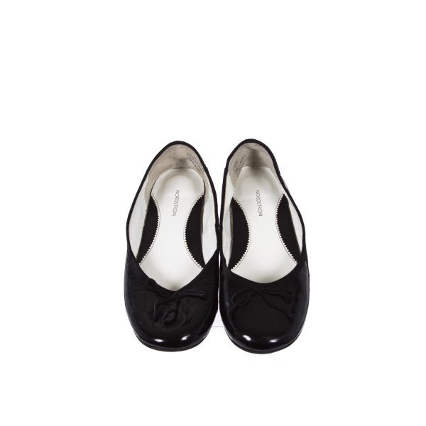 NORDSTROM BLACK PATENT LEATHER FLATS CHILD SIZE 3.5
