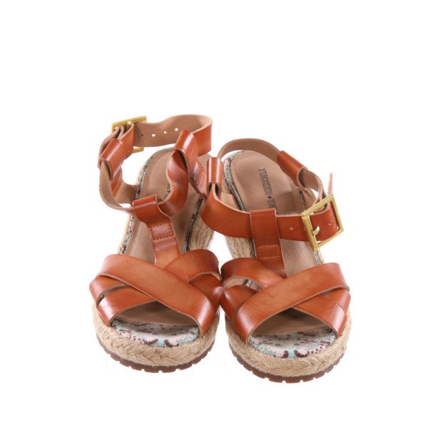 TUCKER AND TATE BROWN WEDGE SANDALS *NO SIZE TAG, BUT RUNS APPROX LIKE A SIZE 13, VGU - VERY MINOR DISCOLORATION