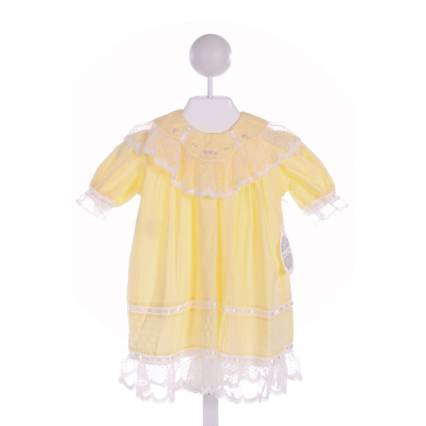 PHOENIX & REN  PALE YELLOW   EMBROIDERED DRESS WITH LACE TRIM
