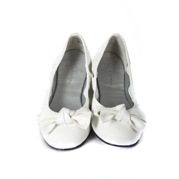 NORDSTROM WHITE FLATS WITH BOW CHILD SIZE 3.5