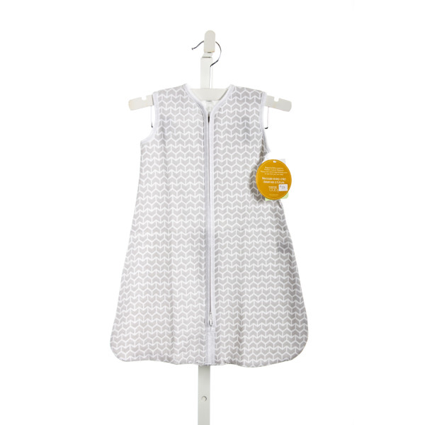 MAGNOLIA BABY GRAY AND WHITE SLEEPSACK *SIZE MEDIUM=6-9M