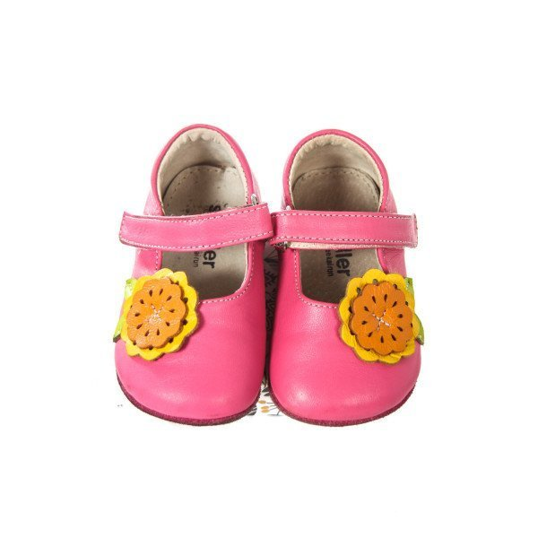 SMALLER BY SEE KAI RUN PINK SOFT SOLE SHOES WITH FLOWER *SIZE IS 9-12M=INFANT 2