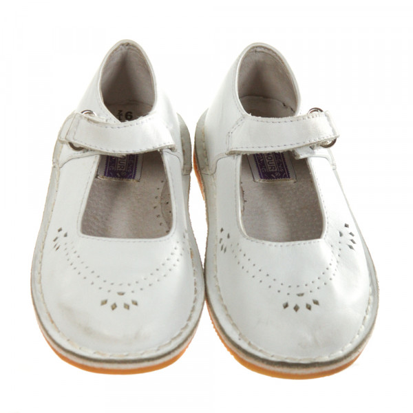 L'AMOUR WHITE LEATHER SHOES *SIZE TODDLER 9.5, VGU - DISCOLORATION AND SCUFFING