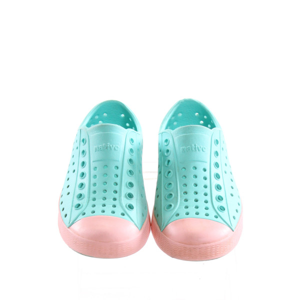 NATIVE BLUE AND PINK SHOES *SIZE 9, VGU - VERY MINOR SCUFFING AND DISCOLORATION AROUND TOE
