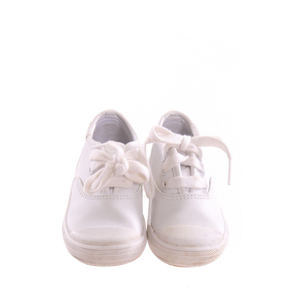 KEDS WHITE SHOES *SIZE 5, VGU - MINOR DISCOLORATION AND SCUFFING