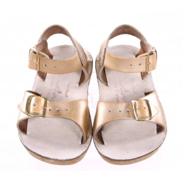 GOLD SUN SANS/ SALTWATER SANDALS *SIZE 6, GUC - SCUFFING AND DISCOLORATION