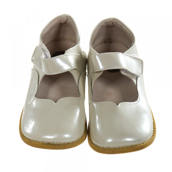LIVIE & LUCA IVORY LEATHER SHIMMER SHOES *SIZE TODDLER 13, VGU - LIGHT WEAR AND VERY MINOR DISCOLORATIONS