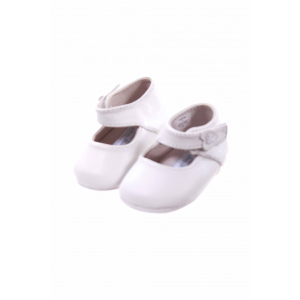DESIGNERS TOUCH WHITE NEWBORN SHOES *EUC
