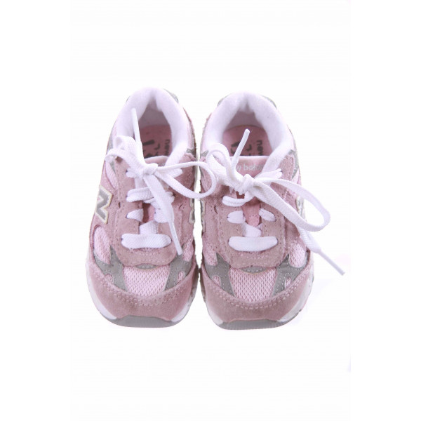 NEW BALANCE PINK AND GRAY SNEAKERS TODDLER SIZE 6 *EUC