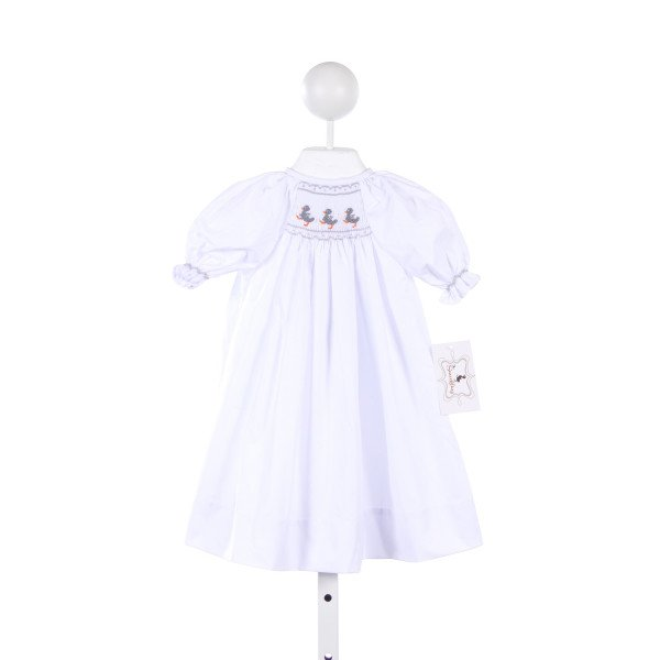 THE SMOCKLING WHITE GOWN WITH GRAY DUCKLING SMOCKING