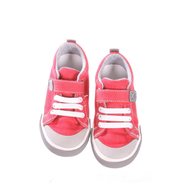 SEE KAI RUN RED AND WHITE SHOES *SIZE 9.5, VGU - DISCOLORAITON
