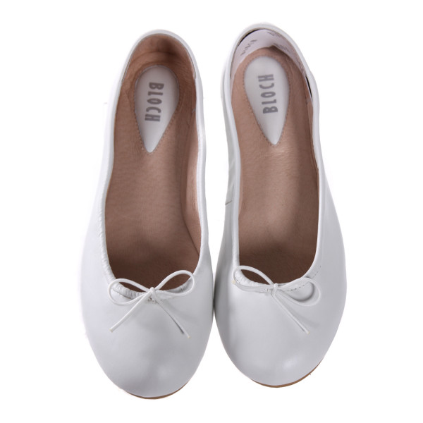 BLOCH WHITE ARABELLA SHOES. *NWT, SIZE 22 = SIZE 6