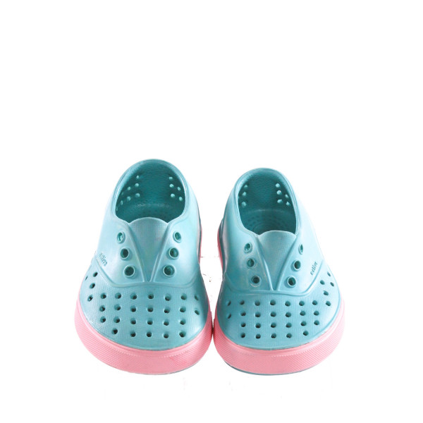 BLUE AND PINK NATIVE SHOES *SIZE 6. VGU - VERY MINOR DISCOLORATION AND SOME SMALL STAINS