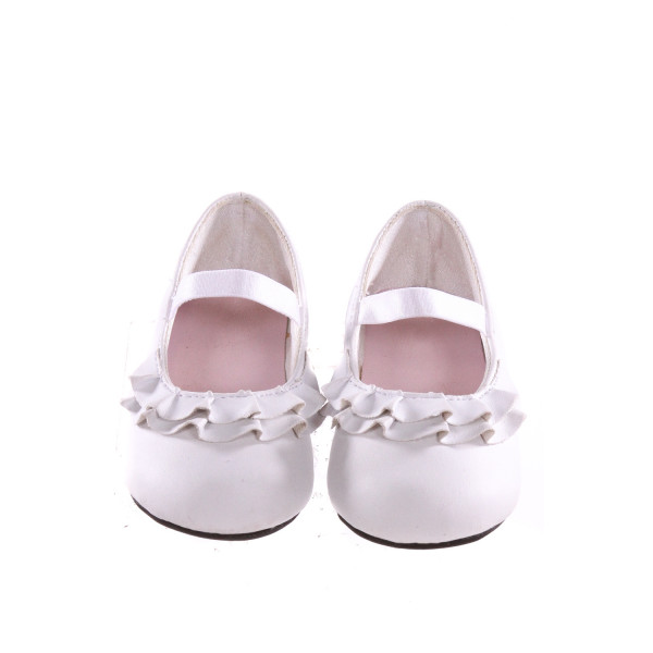 TRIMFOOT WHITE SHOES WITH RUFFLES *SIZE 5, VGU - SOME LIGHT WEAR AND DISCOLORATION