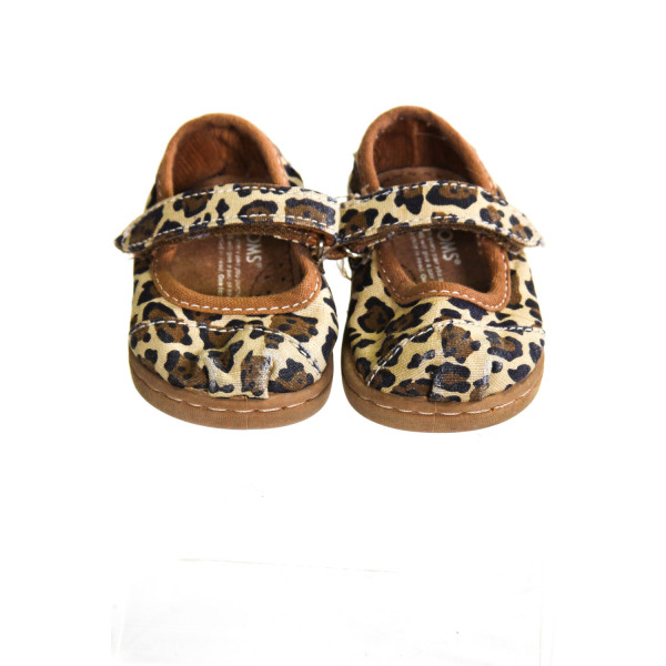 IVORY CHEETAH PRINT TOMS *SIZE INFANT 2, VGU - LIGHT SCUFFING AND WEAR