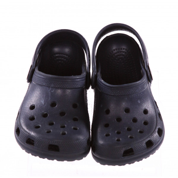 NAVY BLUE CROCS *SIZE 6, VGU - SLIGHT SCUFFING AND TINY DISCOLORATIONS